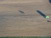 2 Reiter über einem frisch geernteten Acker - September 2011